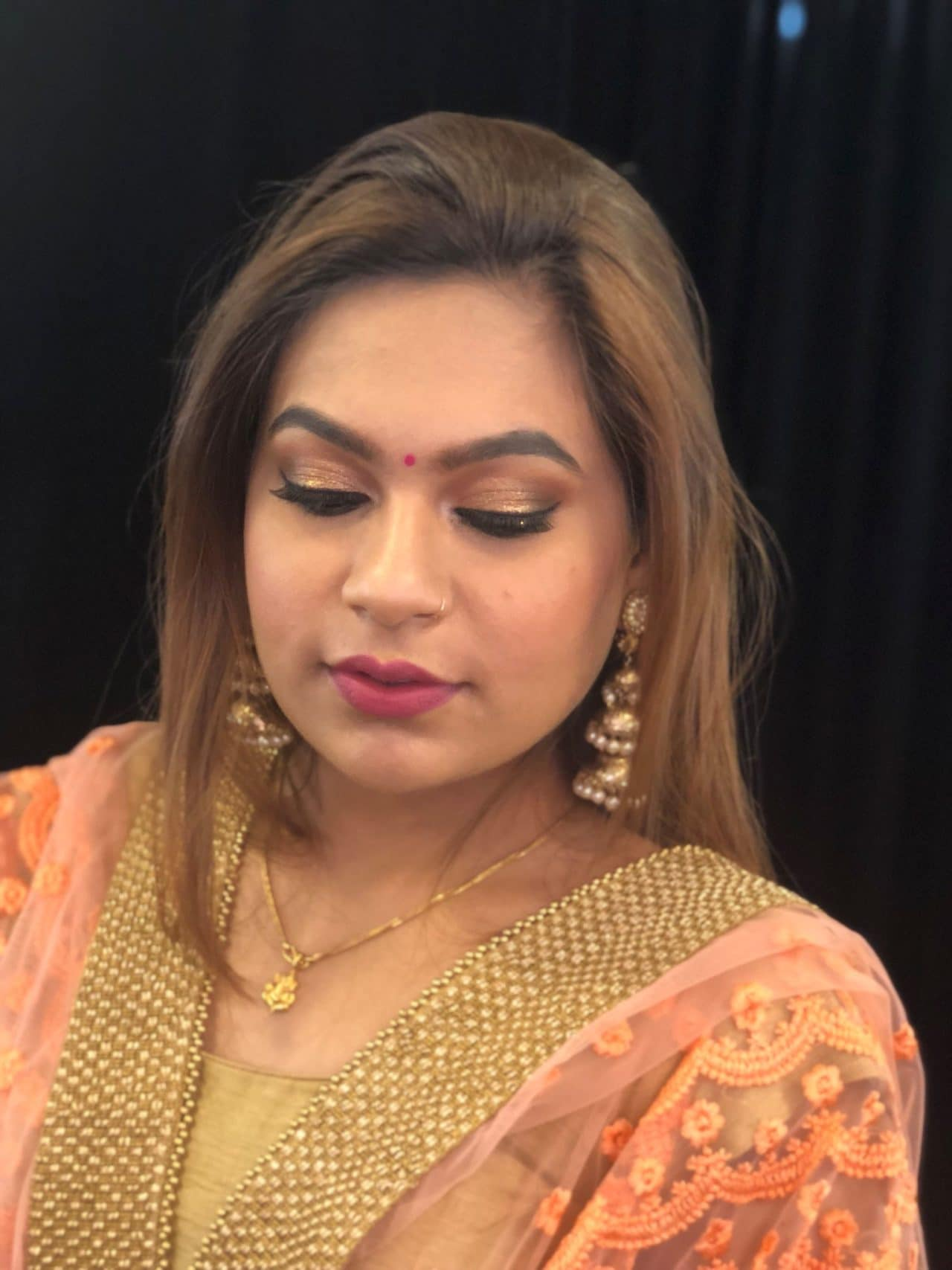 Undoubtedly, there is a rewarding career ahead if you build a good portfolio. MAMA provides certified makeup artist course in New Delhi.