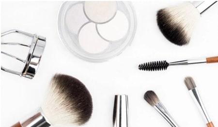 makeup kits & products